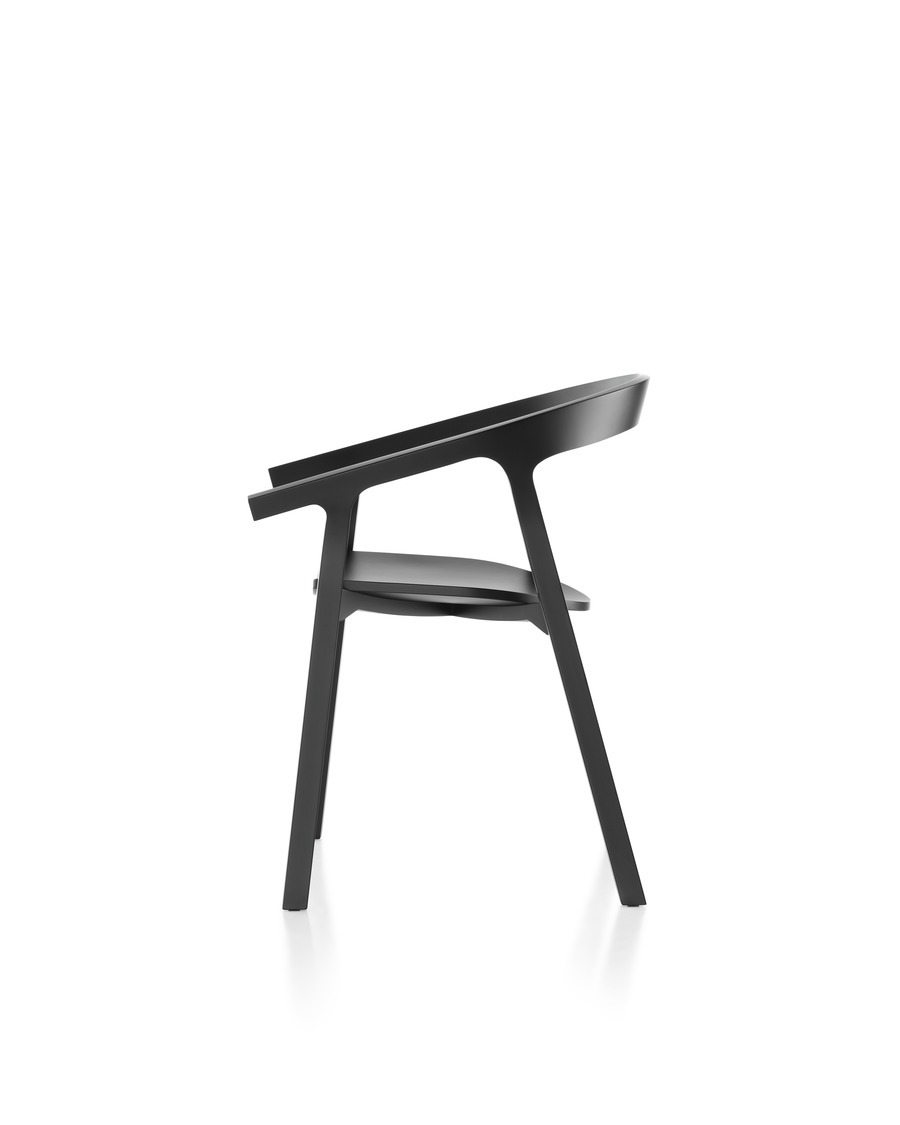 Black Mattiazzi He Said Chair viewed from the side