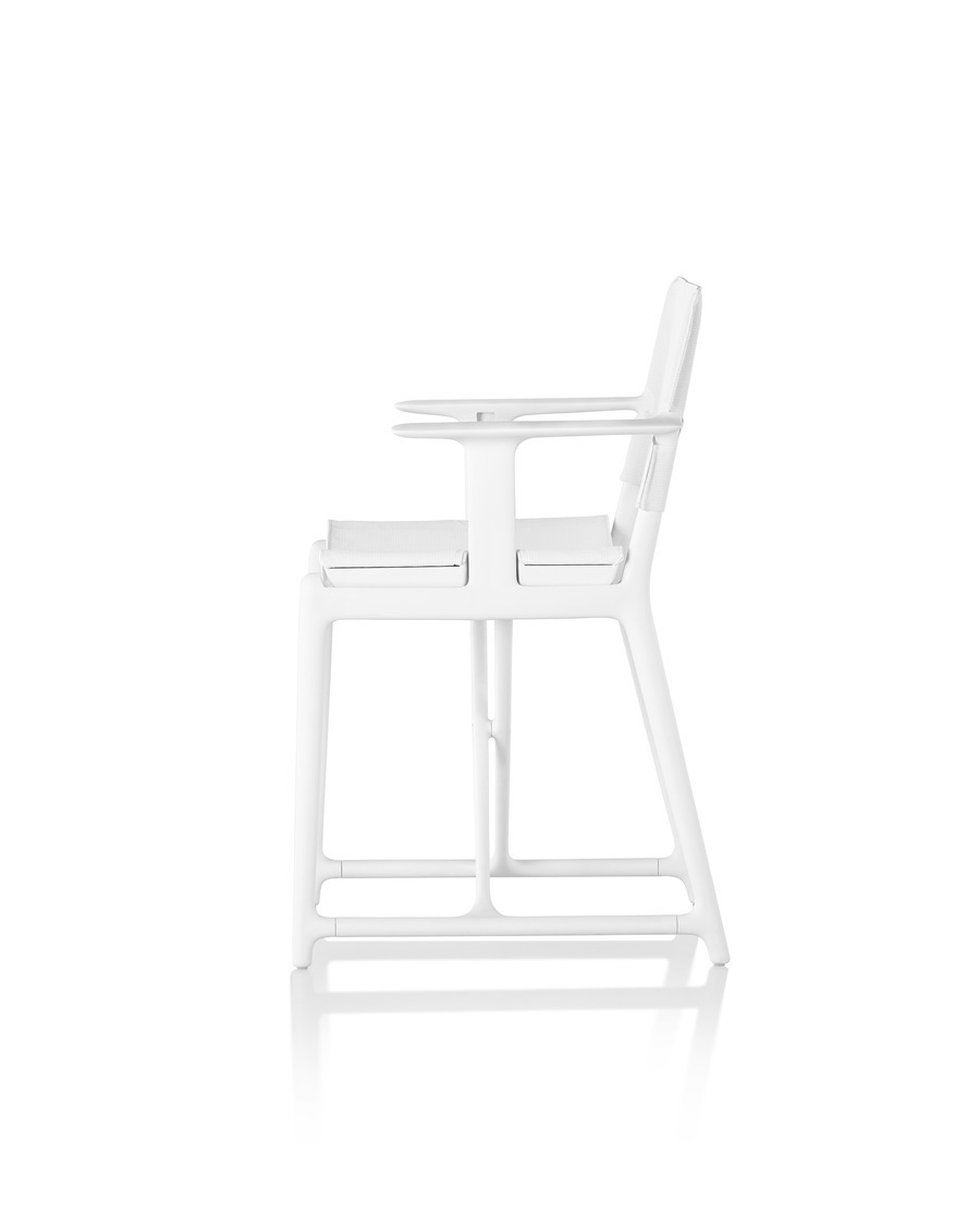White Magis Stanley director's chair, viewed from the side