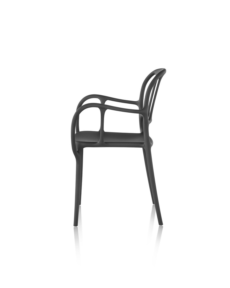 Black Magis Milà side chair, viewed from the side
