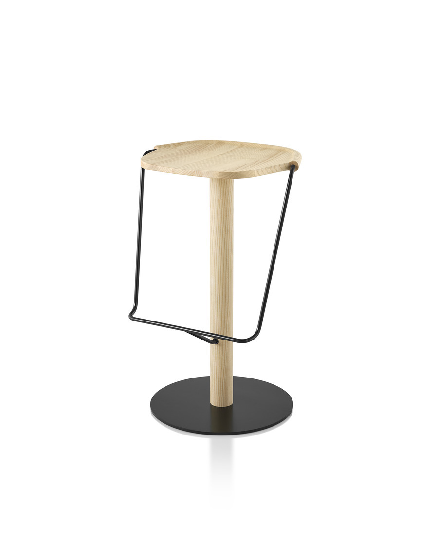 Mattiazzi Uncino Stool with black frame and natural ash seat, viewed from the front at an angle.