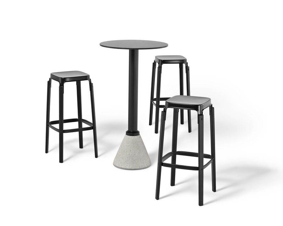 Magis Table_One Bistro with Steelwood Stools Outdoor