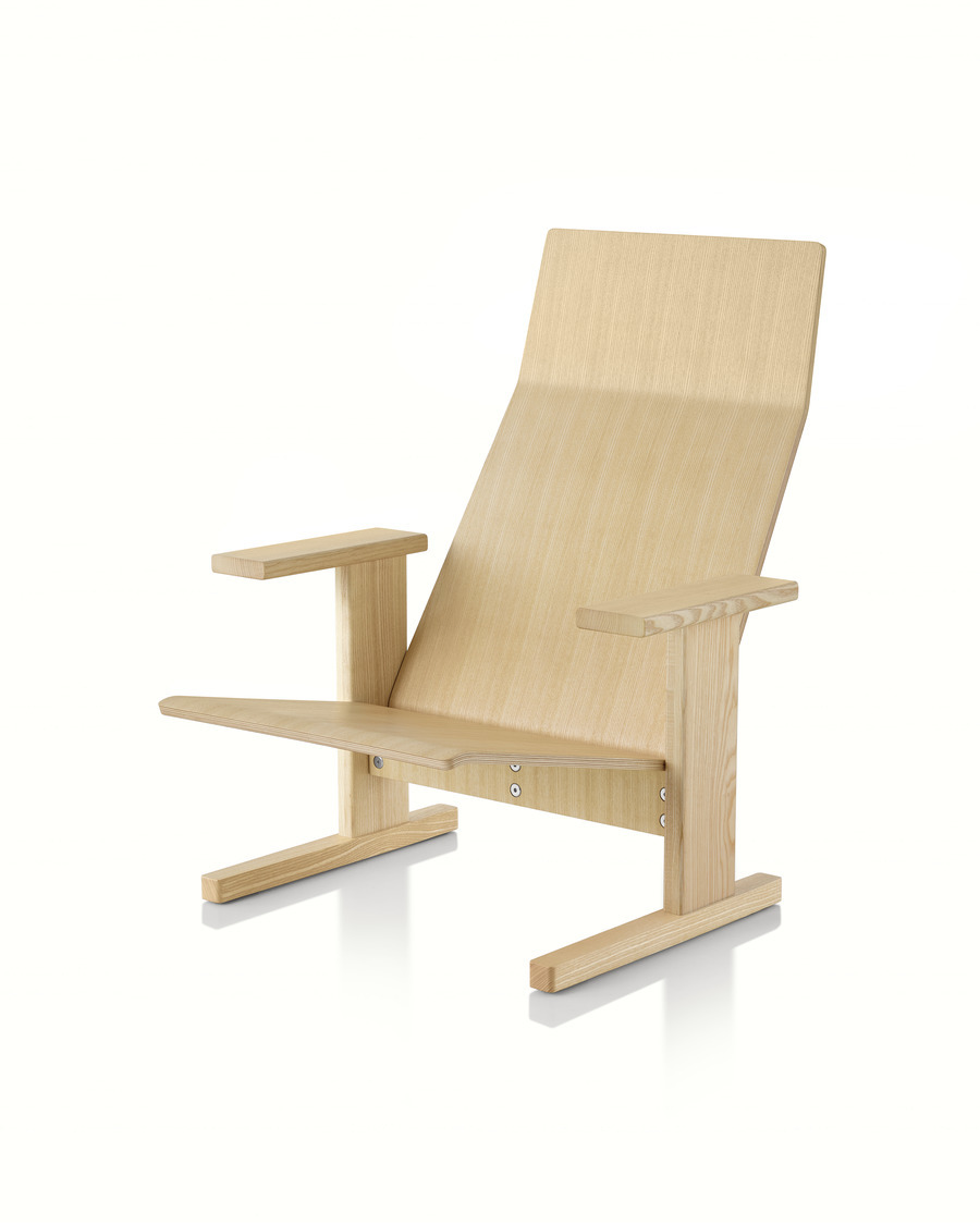 Natural anilin ash Mattiazzi Quindici Lounge Chair, viewed from the front at an angle