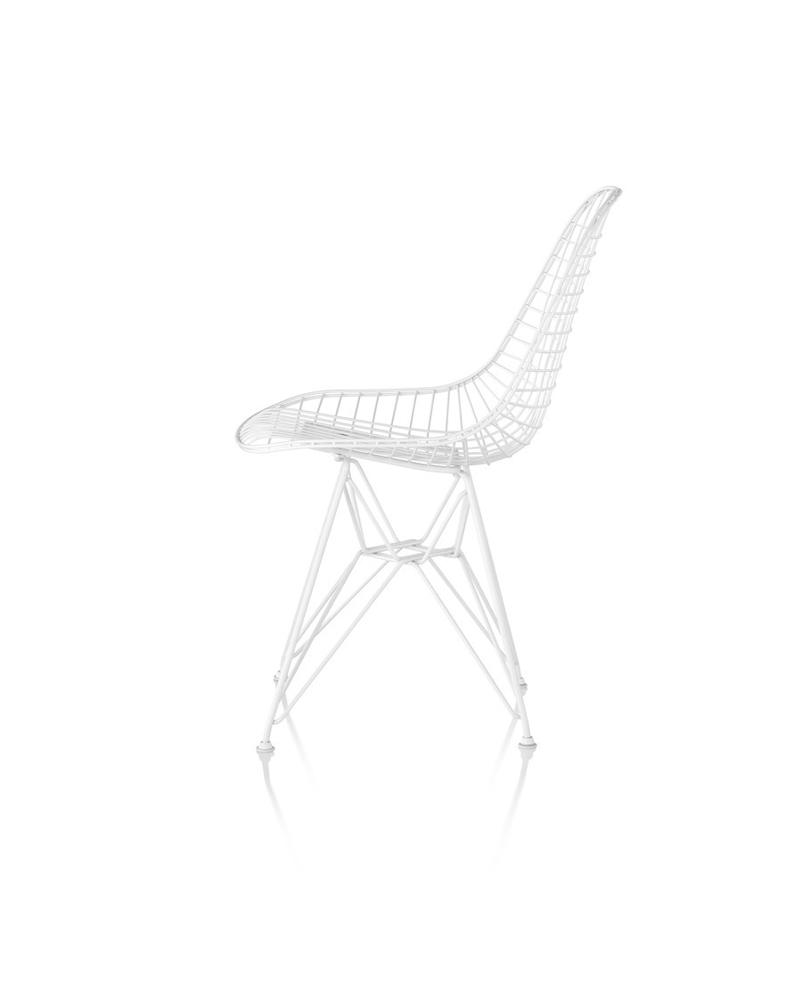 Eames Wire Chair Outdoor with white finish and wire base, viewed from the side